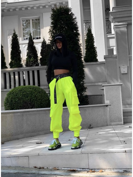 NEON PANTS OVERSIZED POCKETS